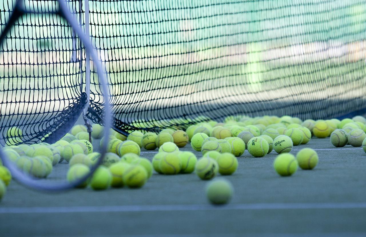 http://www.lakeshorecountryclub.com/uploads/slides/978423_tennis-2100437_1280.jpg